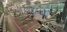 Freeweights area at energie Fitness Kiln Farm