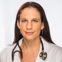 Dr Kim Booysen qualified Aesthetic Doctor