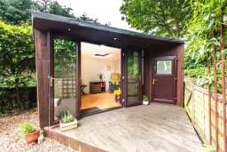The Refresh Shed, bespoke office