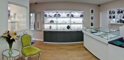 HC Jewellers inside store