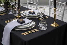 Pebble Grey napkins and Jet Black tablecloths