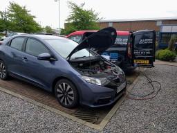 Car aircon re-gas service in Ingleby Barwick area