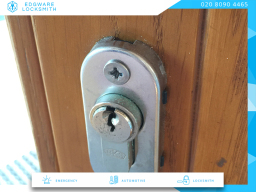 www.edgwarelocksmith.co.uk