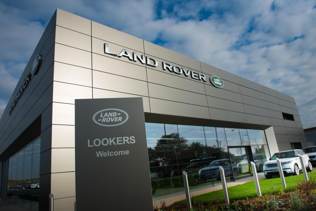 lookers land rover colchester axial way colchester co4 5xb. Black Bedroom Furniture Sets. Home Design Ideas
