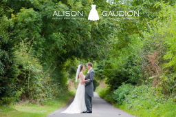 wedding-photographer-tithe-barn