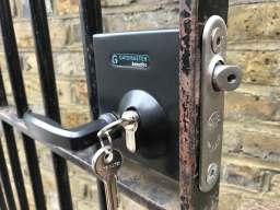 Gatemaster lock installed 🔐