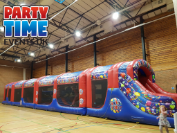 100ft Adult Assault Course hire