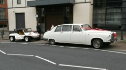 Daimler ds 420 upto 7 passengers