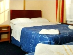 Double room at Holly House Hotel London