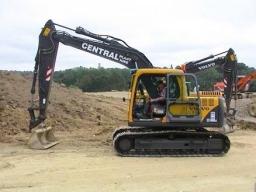 13 Ton Volvo Excavator Edited