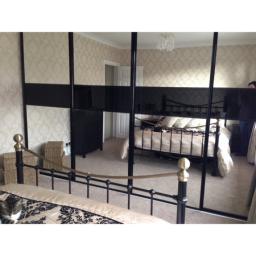 Diamond Black/silver mirror / black glass with mid rails