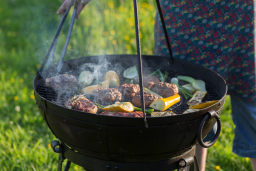 Al fresco glamping with bbq