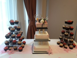 Cup cakes & wedding cake