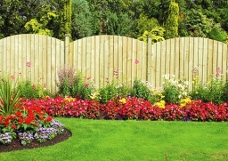 Garden Fencing With Fab Landscaping