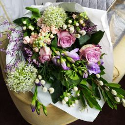 Subscription fresh flower bouquets delivered local