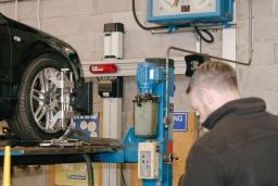 3D laser wheel alignment at Reedley Service Centre