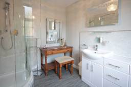 Four Poster room ensuite