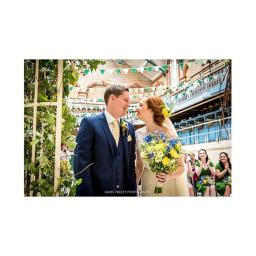 Wedding Flowers throughout the North West of England, Lancashire, Manchester, Cheshire and Cumbria.