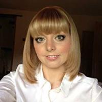 Scarlett Darbyshire Social Media Marketing Consultant