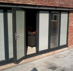 Aluminium bifold with internal blinds