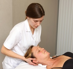 Osteopath, Emma Lipson treating neck pain