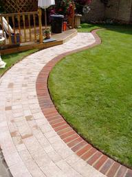 Garden paths, paving, landscaping and patios in Swindon, Wiltshire