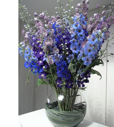 Stunning Modern Vase Arrangements for Weddings and Events