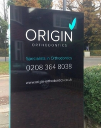 Double sided illuminated totem signs