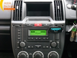 Land Rover Freelander 2 Fitted With Parrot Mki9100.