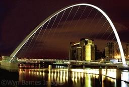 0019 Millennium Bridge